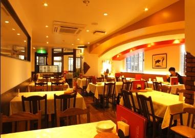 スペイン食堂フェスタマリオの店内の様子