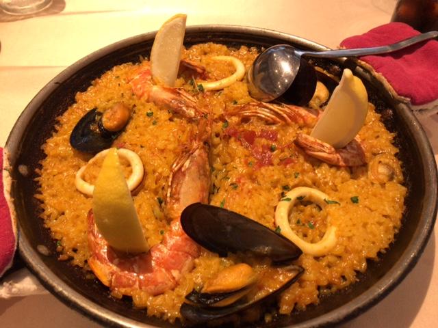 スペイン食堂フェスタマリオの地中海風 海の幸のパエリア